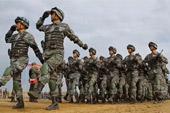 解放军部队在俄接受检阅