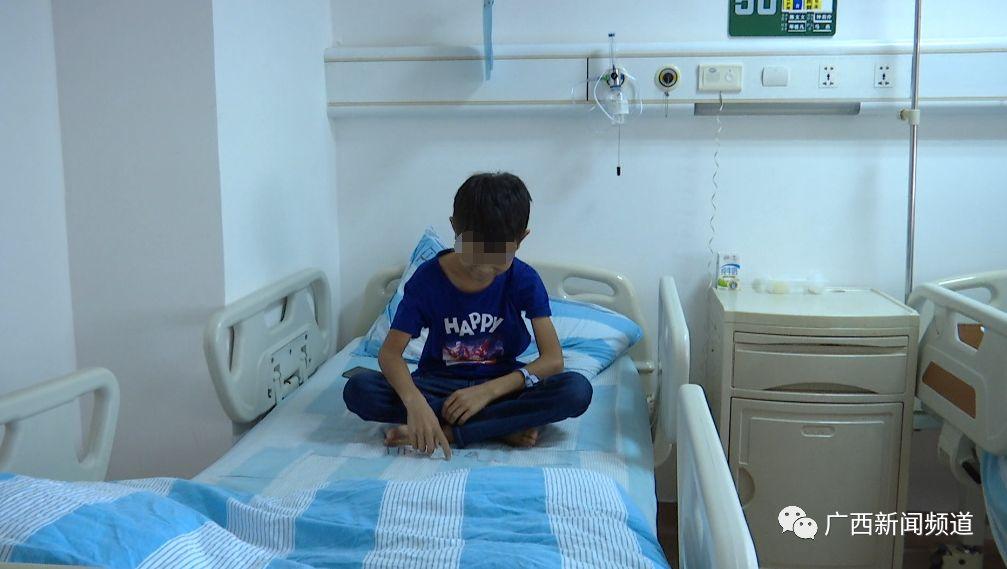 嗦了一口螺,广西贺州11岁男孩连续发烧近两月