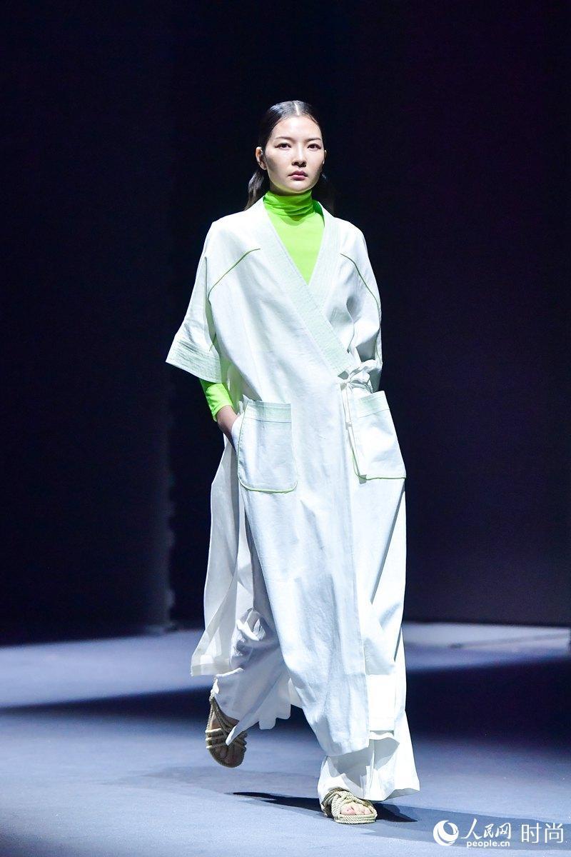 2019 TOPNEW亮相2019北京时装周 倡导精致优雅生活品质