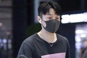 李荣浩被曝领证后首现身
