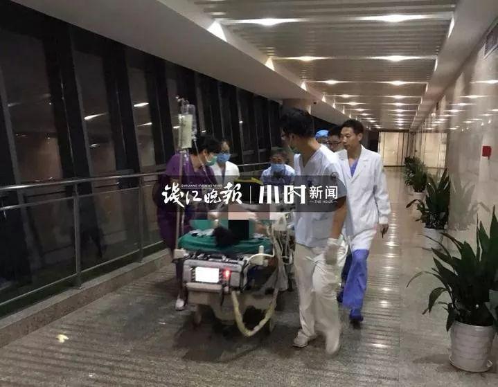 杭城21岁男生深夜躺床上刷手机,突然心跳呼吸全没了!ICU里他含泪说了一句话