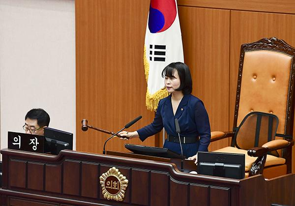 """韩多个地方议长担心日韩关系恶化,同意搁置""""战犯企业""""条例"""