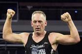 癌症治愈后又患重度肺炎 美国男子从跑步重获新生