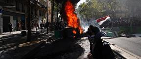 """巴黎气候游行""""变味""""?暴力分子与警方冲突"""
