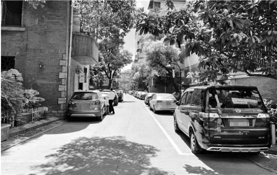 """""""共享停车""""的尴尬:参与小区少 共享形同虚设"""