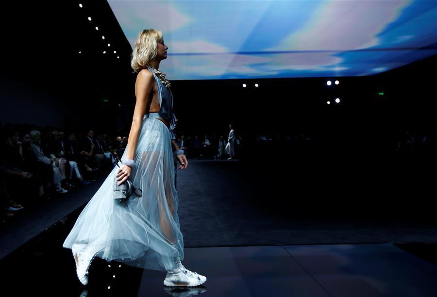 米兰时装周——安普里奥·阿玛尼品牌时装秀