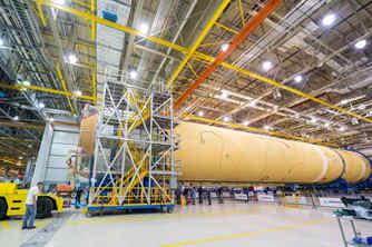 美国SLS火箭即将拼接完成