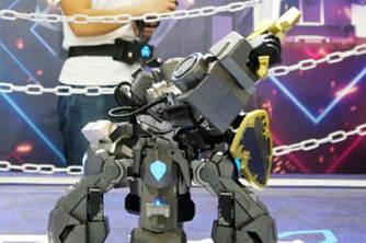 5G体感机器人登场亮相广州