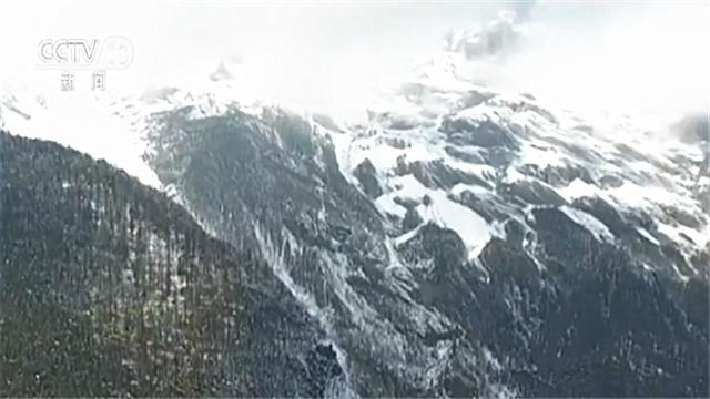 美不胜收!云南这个地方入秋后的第一场雪 厚度约五六厘米
