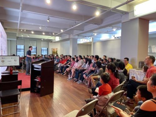 美国华裔教授罗博深:华裔学生应注重思维成长