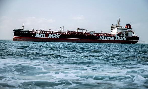 英国被扣油轮驰离伊朗港口 目的地显示为迪拜