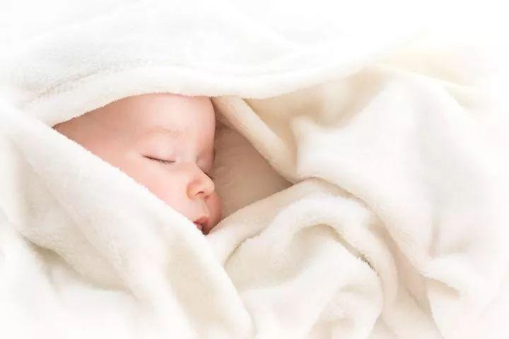 出生5天的女婴来例假,杭州妈妈吓得六神无主!医生却说不要紧