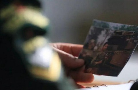 揣着牺牲战友照片接受检阅,他完成了约定!
