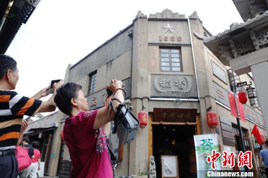 上海国庆假期接待游客1037万人次