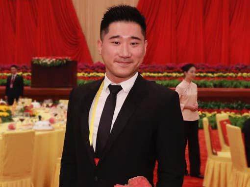 香港中国商会常务副会长:陈亨利