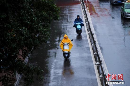 西南地区多阴雨天气 冷空气影响内蒙古东部华北东北