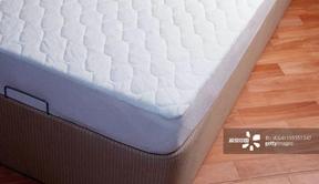 床垫上那层膜到底要不要撕掉?