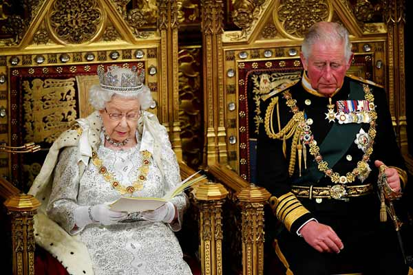 英国女王:政府的首要任务是在10月31日脱离欧盟