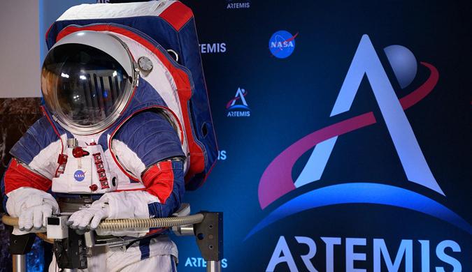 时隔40年 NASA推出新一代宇航服