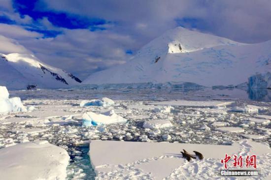 中国探险家启程全球首次单人无助力穿越南极