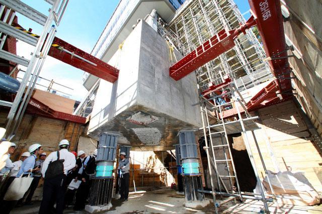 """4吨重高塔""""悬空""""名古屋电视塔进行大改造"""