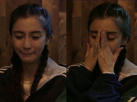 angelababy录节目谈起已过世的外婆 情绪激动掩面落泪