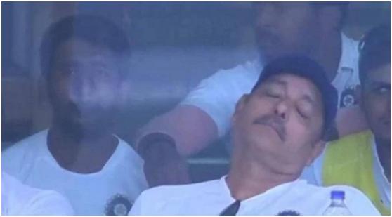 印度板球队大比分获胜,主教练却在比赛中睡着了……