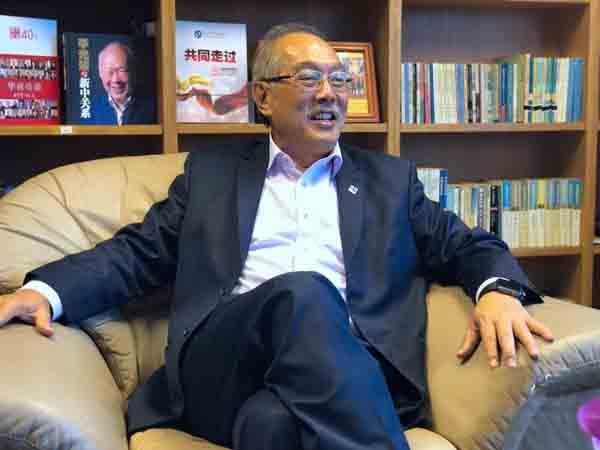 新加坡中国商会会长:胡进胜