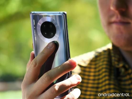 "<b>华为Mate 30 Pro获外媒Android Central""年度最强旗舰机""称号</b>"