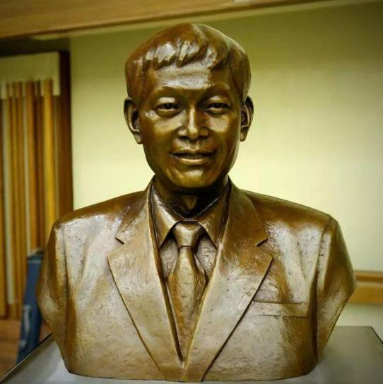 全世界女性都欠他一声谢谢!这个土生土长的杭州男人,澳大利亚给他塑像
