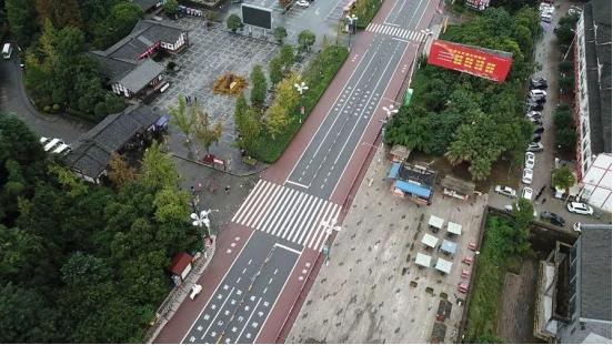 <b>重金打造专业跑马赛道,广安红马已成专业跑友必选</b>
