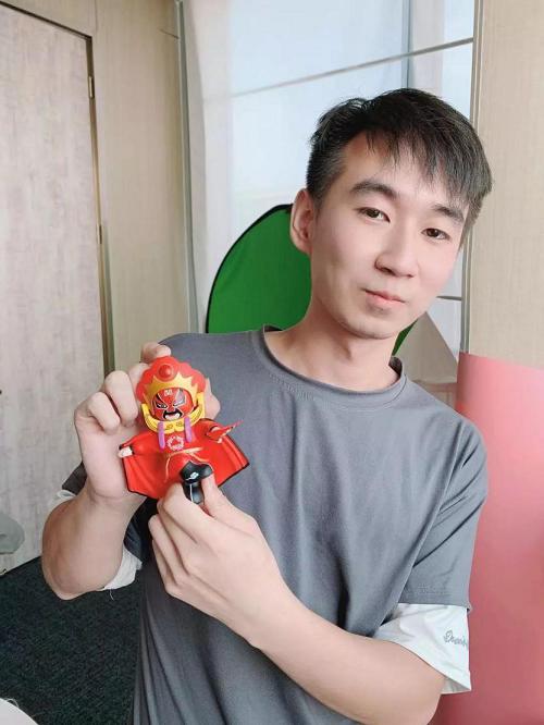 """新疆男孩跨省追梦,抖音实力表白川剧变脸:""""我要我觉得""""!"""