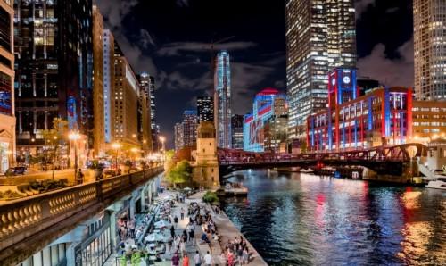 <b>蓝光嘉宝商业观点:迭代更新,商业街区打造和运营需要更加细致</b>