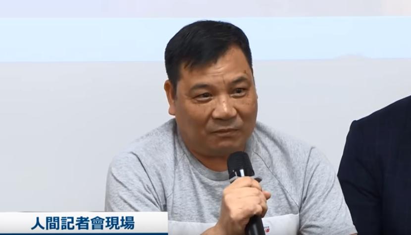 """香港市民上""""人间记者会""""痛斥蒙面暴徒:80年代打劫金铺的人才这样做!"""