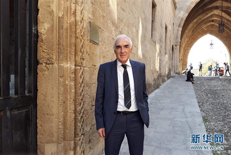 """""""与习主席见面是我人生的独特经历""""——访希腊罗德岛爱琴海学院负责人斯库尔托斯"""