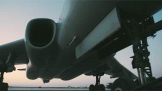 战神喊话:我是中国空军,正在国际空域飞行训练,不要干扰我们行动!