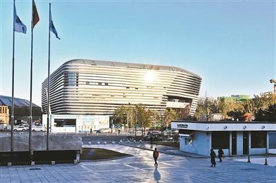 """冬奥场馆""""冰坛""""亮相 总建筑面积3.32万平方米"""