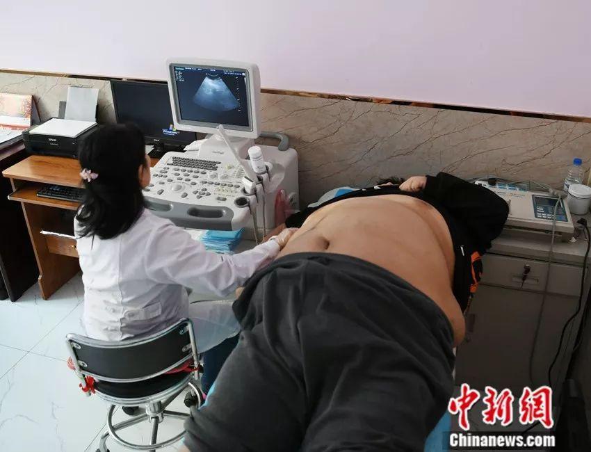 400斤小伙胖到B超无法穿透身体,他的生活你无法想象