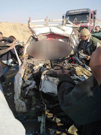 埃及发生严重车祸至少12人死亡
