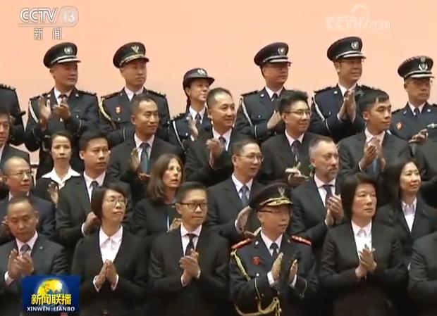 习近平会见澳门特别行政区纪律部队代表