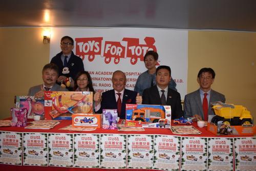 美媒:纽约华团将送出5000份儿童玩具 民众可排队领取