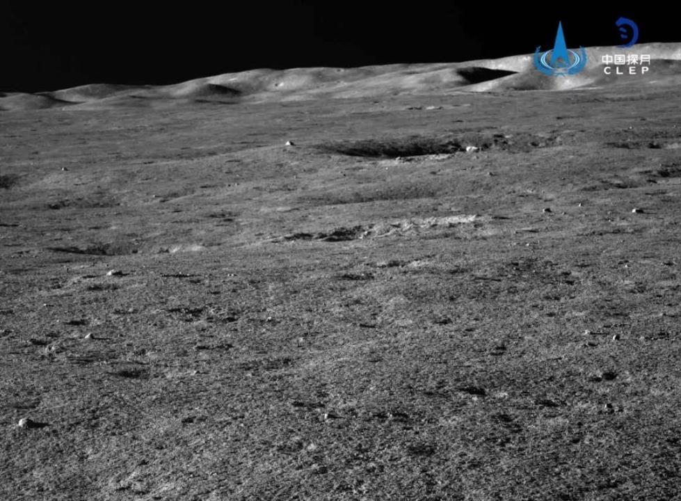 """嫦娥四号着陆器""""玉兔二号""""月球车自主唤醒,进入第十三月昼"""