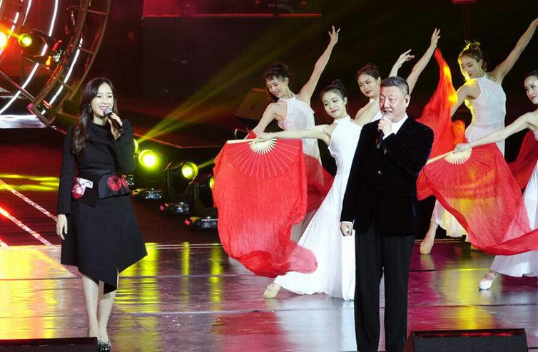 龙梅子夺冠长江三峡网络十大金曲 与韩磊合唱《不忘初心》