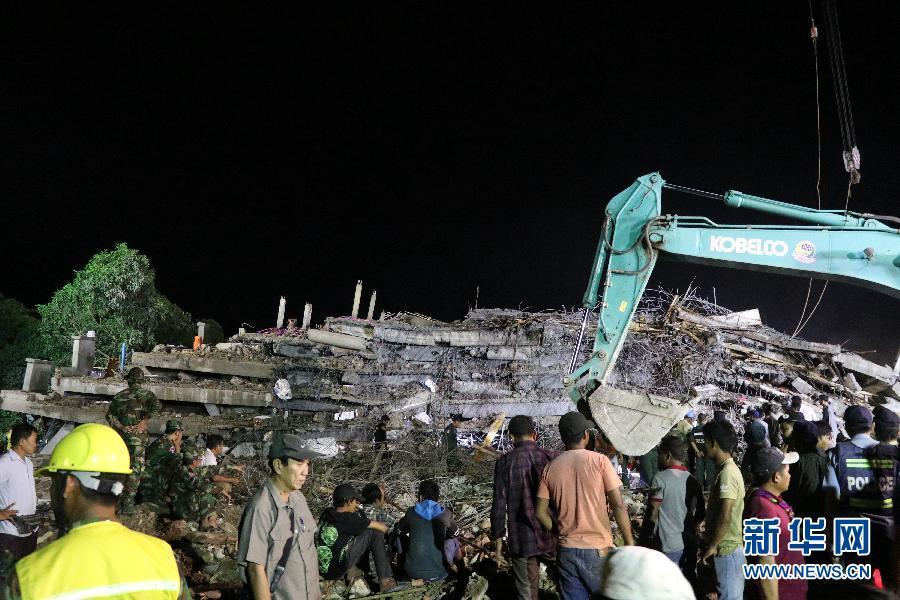 柬埔寨一在建楼房坍塌致6死16伤