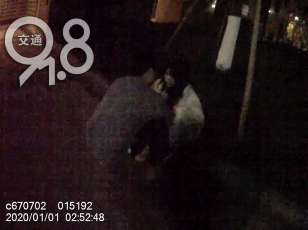 """杭州女子深夜报警:""""有人绑架,快来救我!"""""""