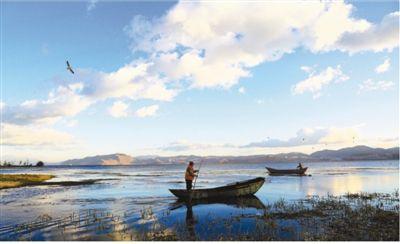 一湖一条例 保护更有力(坚持和完善人民代表大会制度)