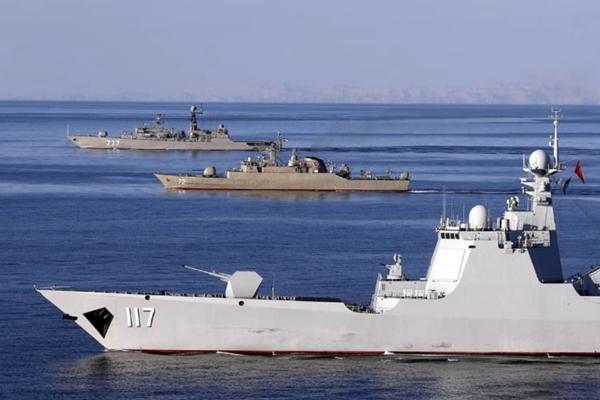 中俄伊三国军舰编队航行 我军052D舰堪称颜值担当