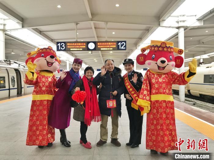 8年来最早春运 重庆火车站40天预计发送旅客745万人