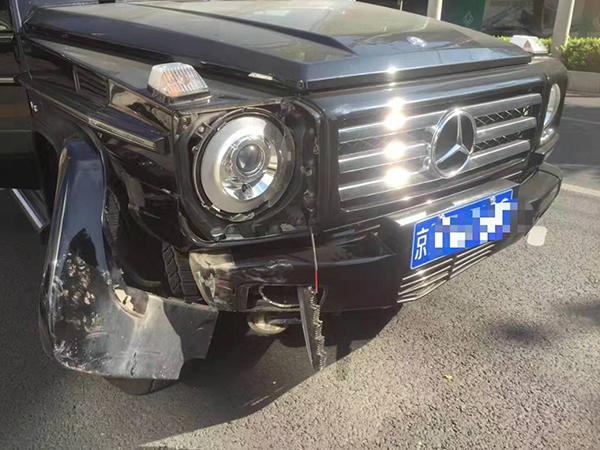 """奔驰车""""小伤遭大修"""",4S店一审被判欺诈、赔三倍修理费"""