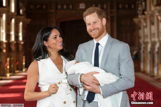 """哈里要""""引退""""引发王室风波 英媒回答几个热点问题"""
